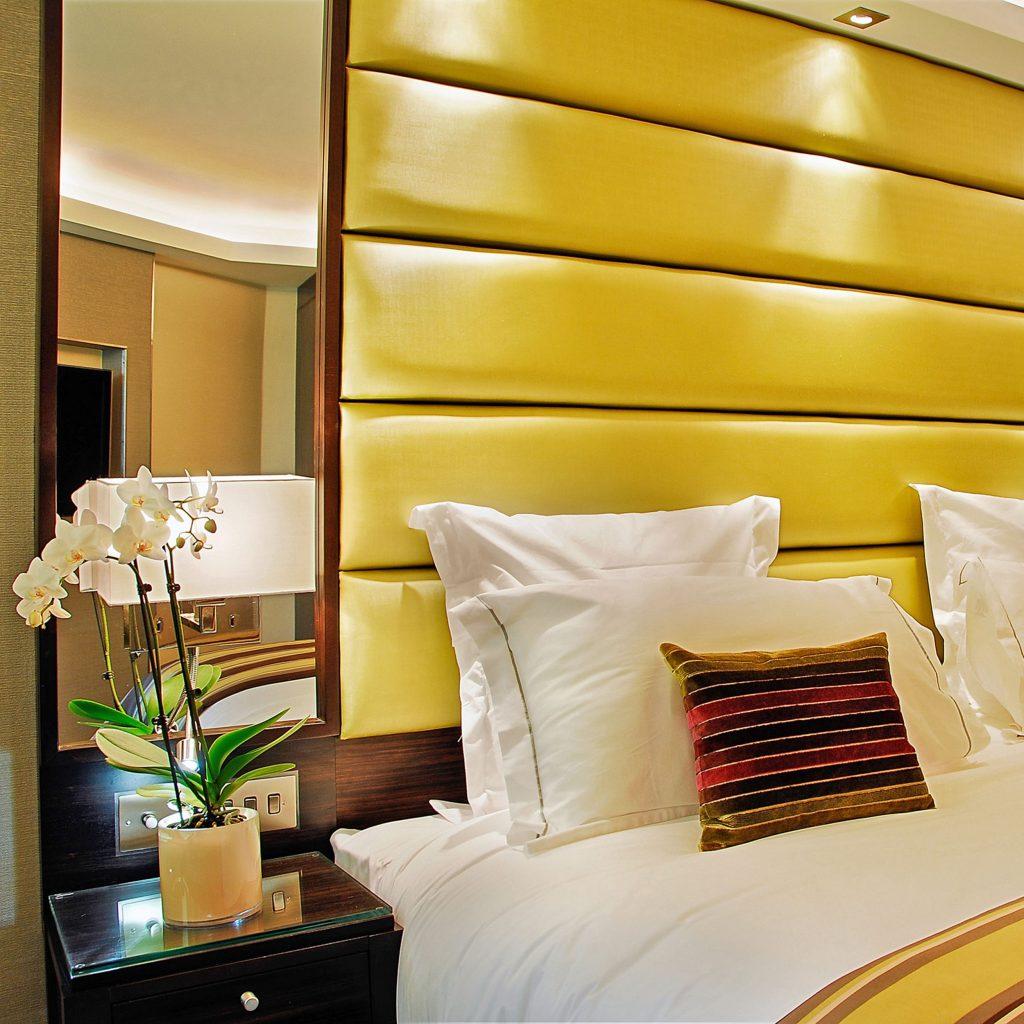 9543-park-lane-led-the-montcalm-hotel-london-insitu-1